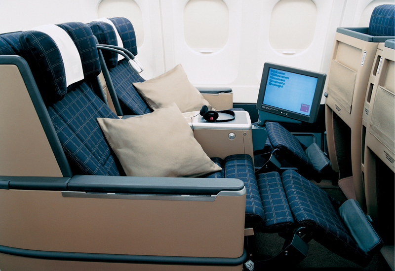Swiss Airlines Business Class seat. SkyLuxTravel Blog. SkyLux - Discounted Business and First Class Flights