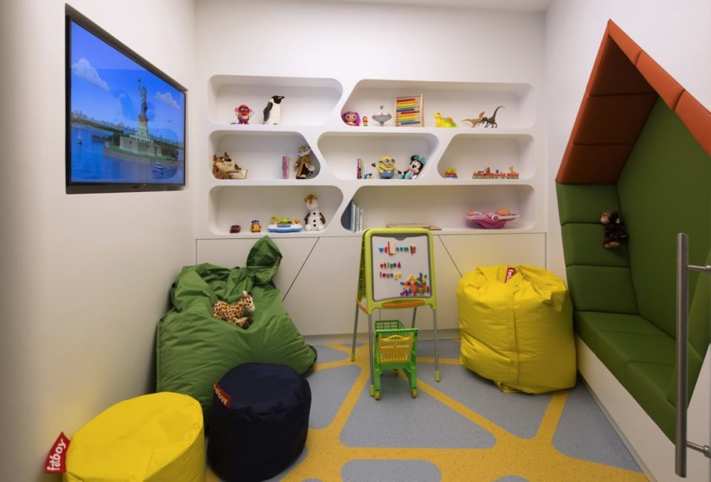 Why Use First and Business Class Lounge - Play room for kids, Etihad Melbourbe lounge. SkyLux - Discounted Business and First Class Flights