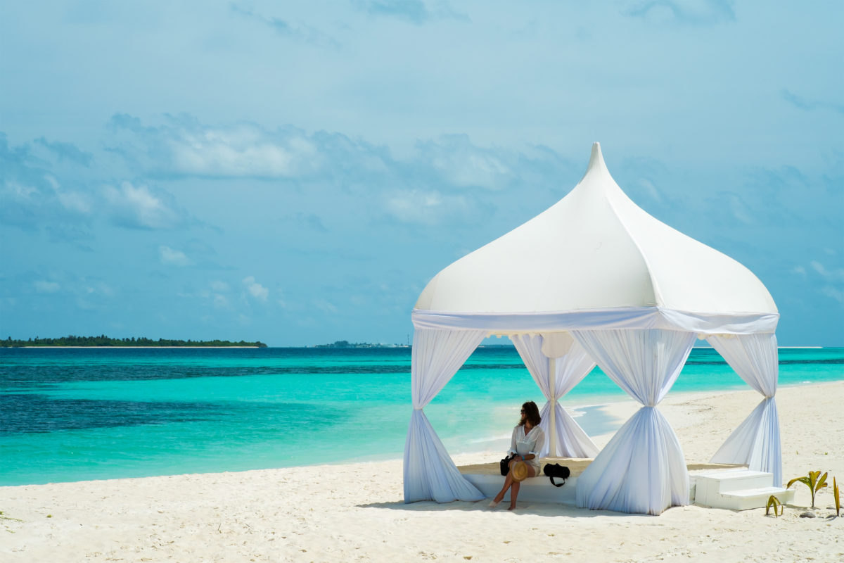5 Luxury Spring Break Destinations 2018: The Maldives: The World's Ultimate Luxury Destination. SkyLux - Discounted Business and First Class Flights.