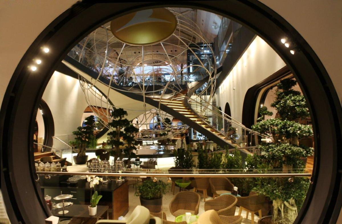 Top 10 World's Best Airport Lounges Part 2